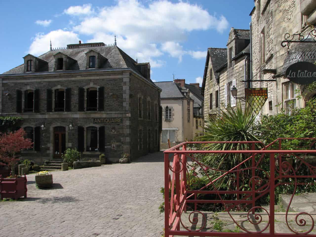 Een plein in Rochefort-en-Terre