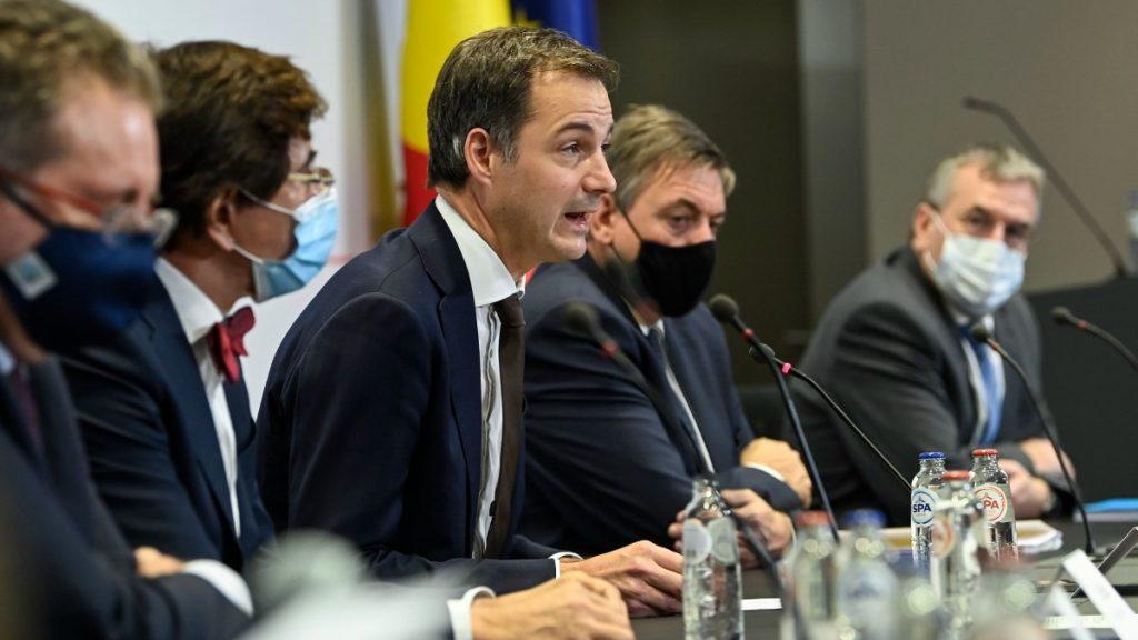 Rudi Vervoort (PS), Elio Di Rupo (PS), Alexander De Croo (Open Vld), Jan Jambon (N-VA) en Pierre-Yves Jeholet (MR)