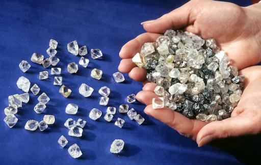 Productie ruwe diamanten met meer dan een tiende ingekrompen