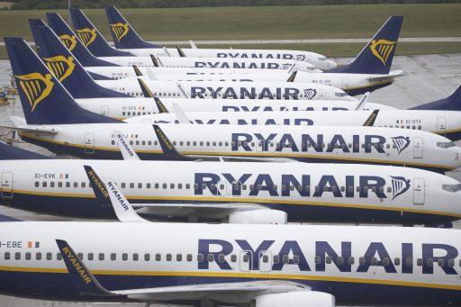 Europese vakbonden: 'Ryanair pleegt chantage op eigen werknemers'