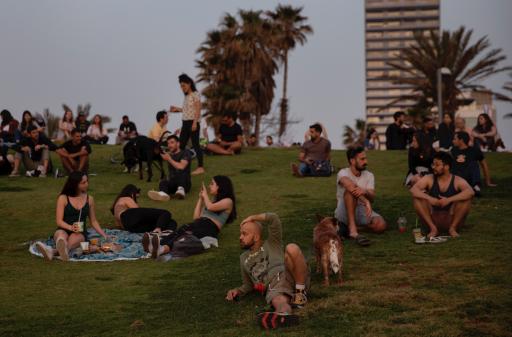 'Une publicité pour Pfizer': en Israël, les masques tombent et la victoire sur le virus se rapproche