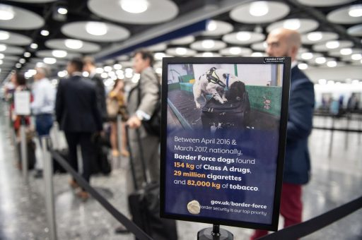 EU-onderdanen die tot meer dan 1 jaar gevangenisstraf werden veroordeeld na brexit niet langer welkom in VK