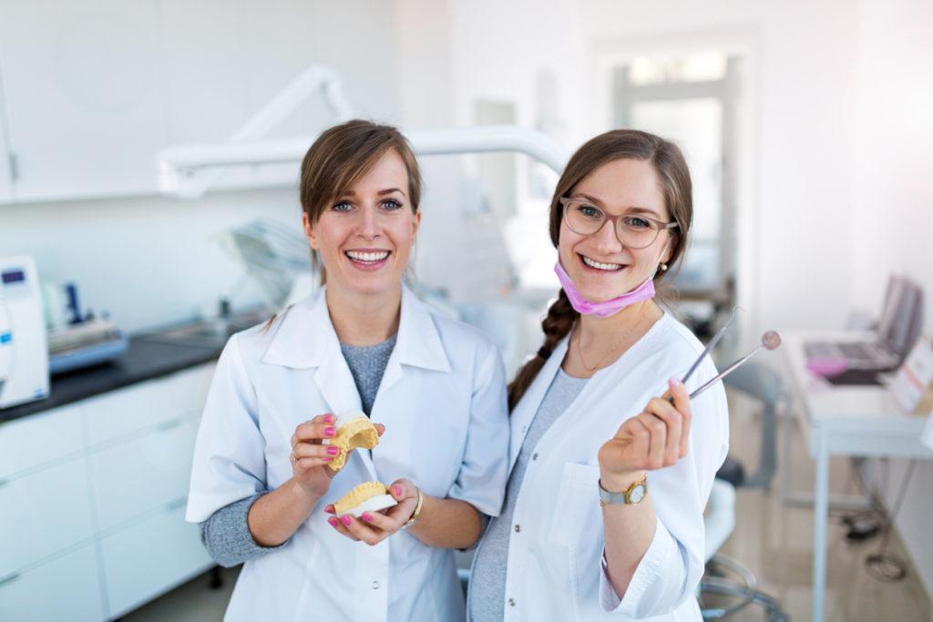 4 redenen waarom een tandzorgverzekering voor het gezin afsluiten een prima investering is
