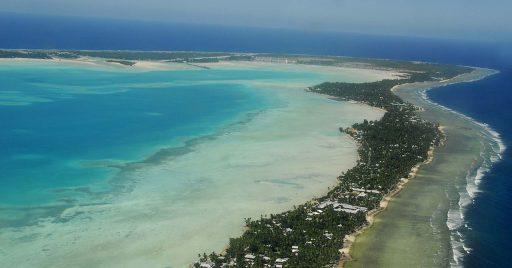 President van Kiribati wil zijn zinkende eilandstaat ophogen met de hulp van China