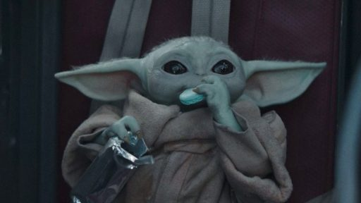 The Mandalorian Baby Yoda Macaron