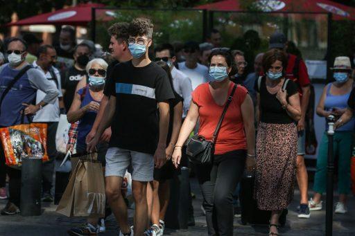 U-bocht: Frankrijk en Verenigde Staten scherpen regels rond mondmaskers weer aan