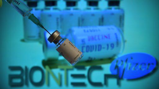 Le vaccin de Pfizer/BioNTech rencontre déjà des problèmes d'approvisionnement