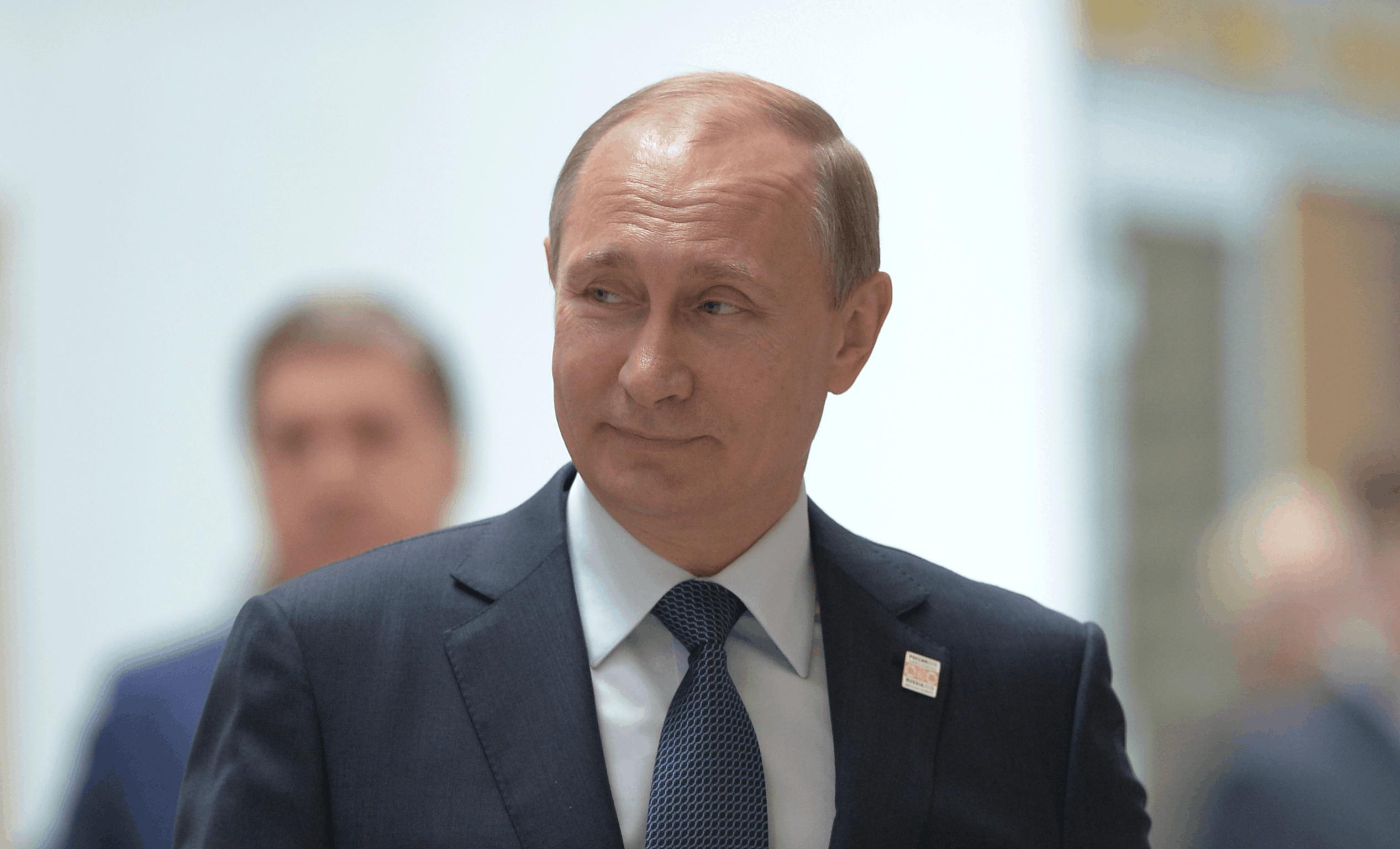 Poetin: 'Rusland heeft een vaccin tegen corona, mijn dochter kreeg het al'