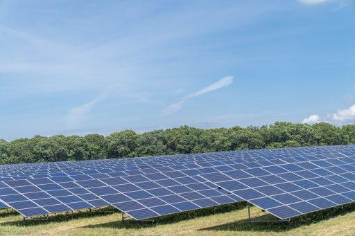 Zonnepanelenmaker First Solar maakt het mooie weer op dieprode Amerikaanse beurzen