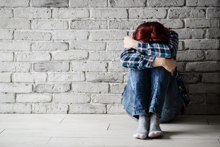 Angstsymptomen: Oorzaken en behandelingen