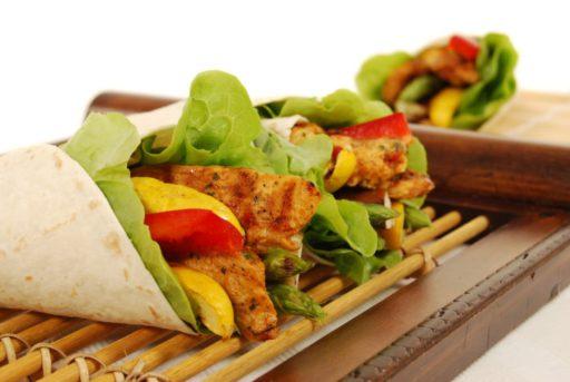 Asperge wrap met kip en groentjes