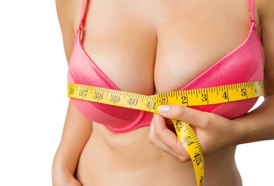 De beste tips om ervoor te zorgen dat je borsten groter lijken