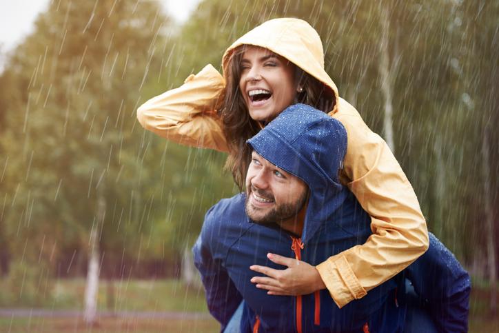Bewezen: Veel samen lachen maakt je relatie sterker
