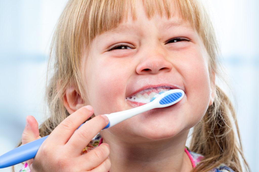 Bewezen: wie tanden in vaste volgorde poetst, poetst beter