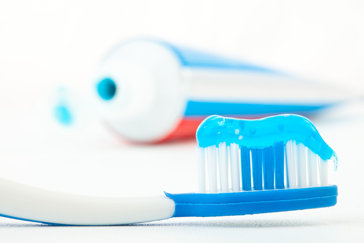 BIZAR: je kunt je tandpasta voor verschillende zaken gebruiken!