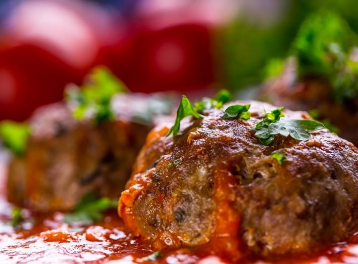 Boulettes aux pois chiches, sauce tomate