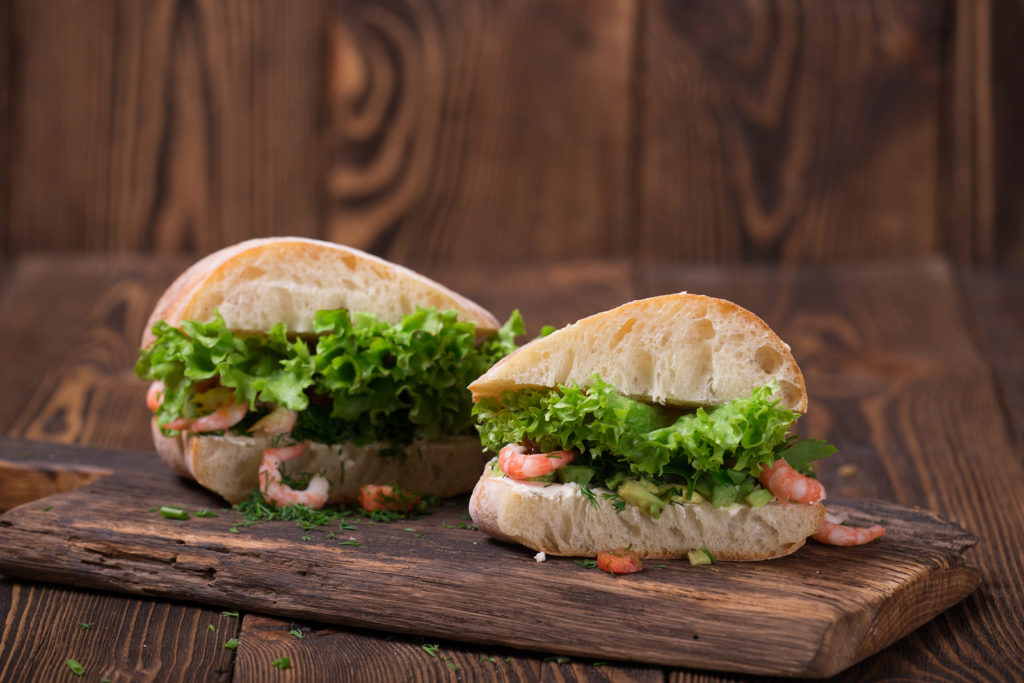 Broodje met Oosterse Garnaalsalade