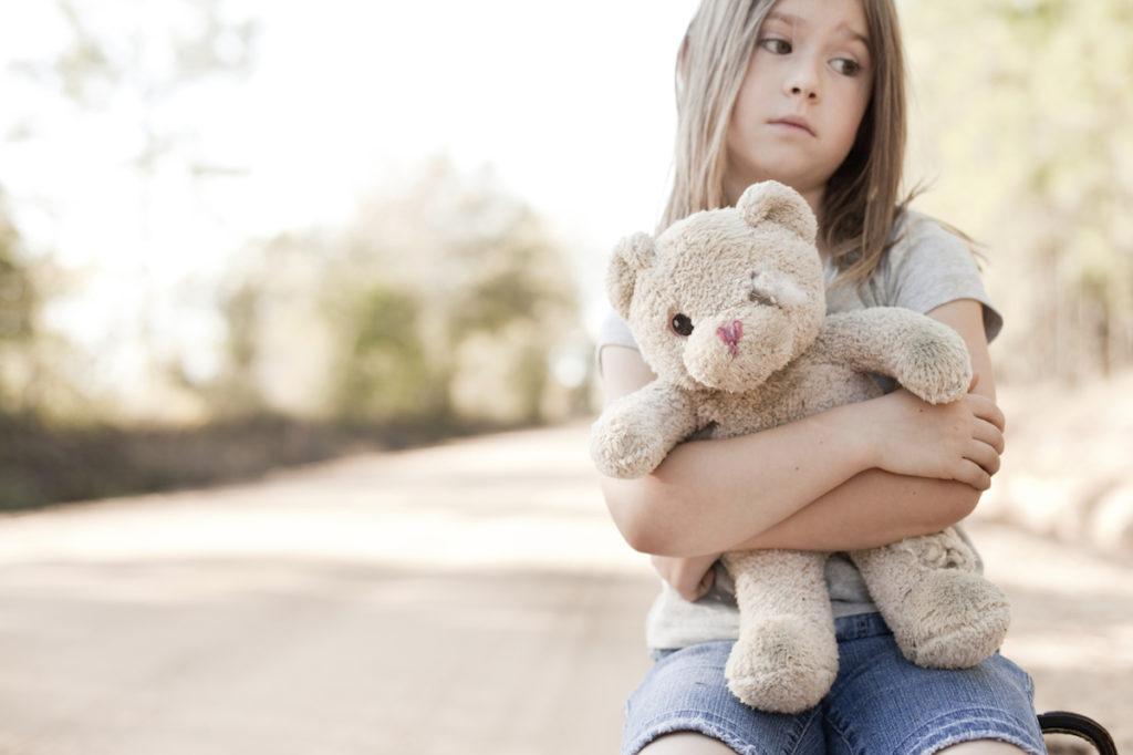 Buikpijn bij kinderen: Oorzaak & Behandeling
