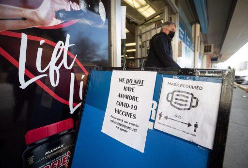 Pourquoi le Canada, un pays modèle, connaît une campagne de vaccination très lente