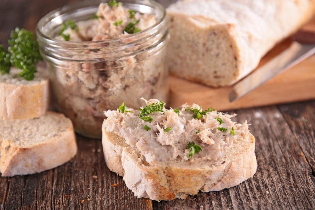 Ciabatta met luxe tonijnsalade en ei