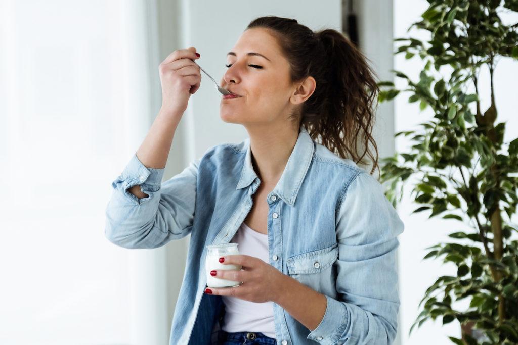 Danone verwelkomt yoghurt in de nieuwe voedingsdriehoek