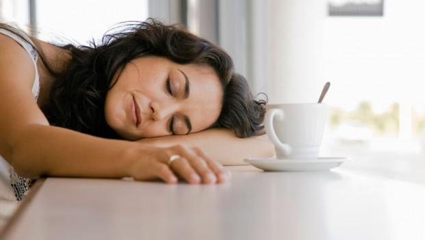 Deze 6 slechte gewoontes zijn de oorzaak van je vermoeidheid