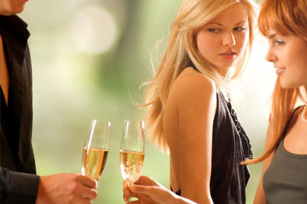 Deze 7 fases maak je door als je ex een ander heeft