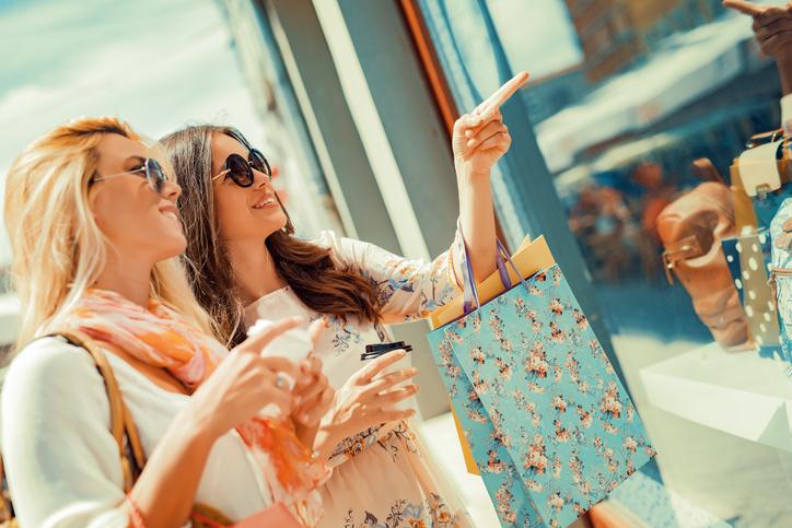 Deze excuses gebruikt elke vrouw om te gaan shoppen