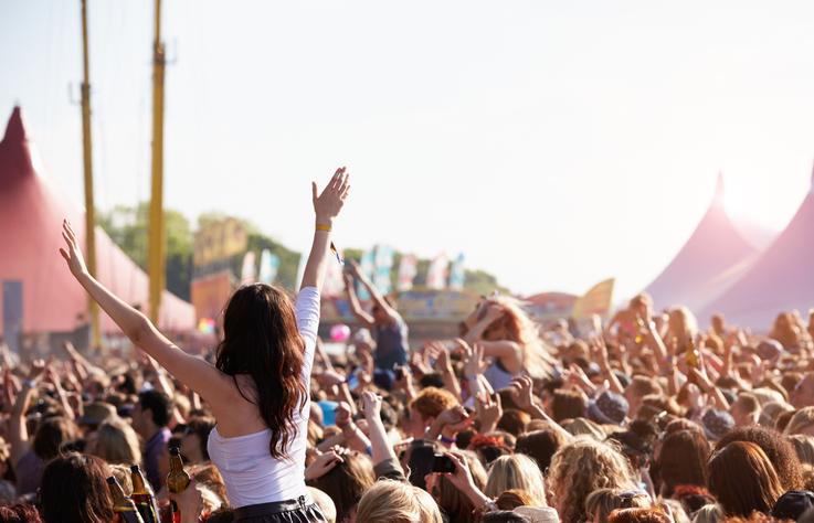 Deze festivals mag je niet missen tijdens de zomer!