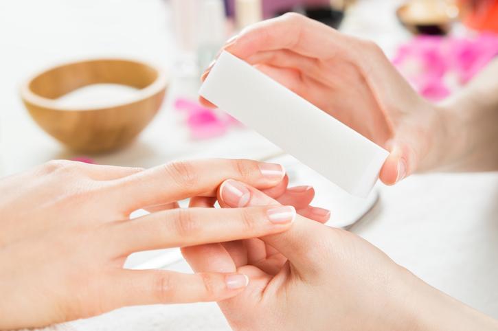 Deze manieren helpen je om je nagels mooier te lakken