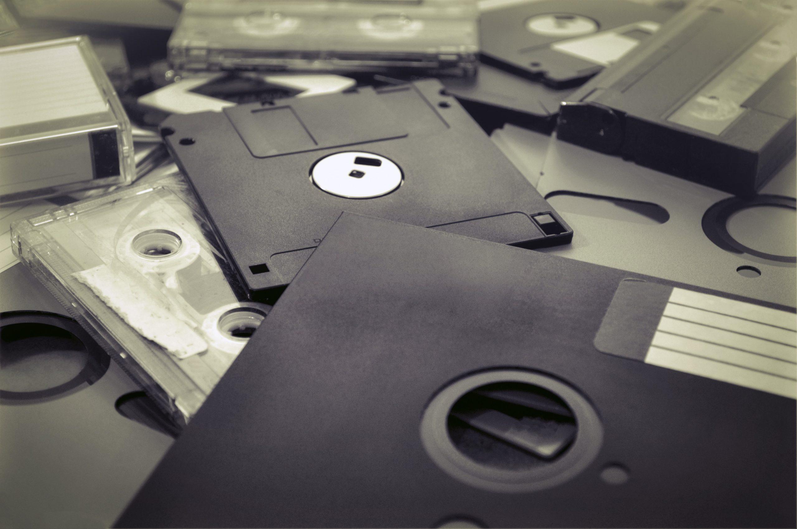 Une mise aux enchères a estimé à 6820 euros une disquette Macintosh signée par Steve Jobs, fondateur d'Apple.