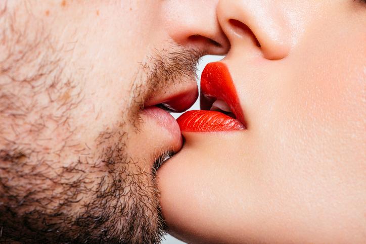 Dit gebeurt er met je lichaam als je kust