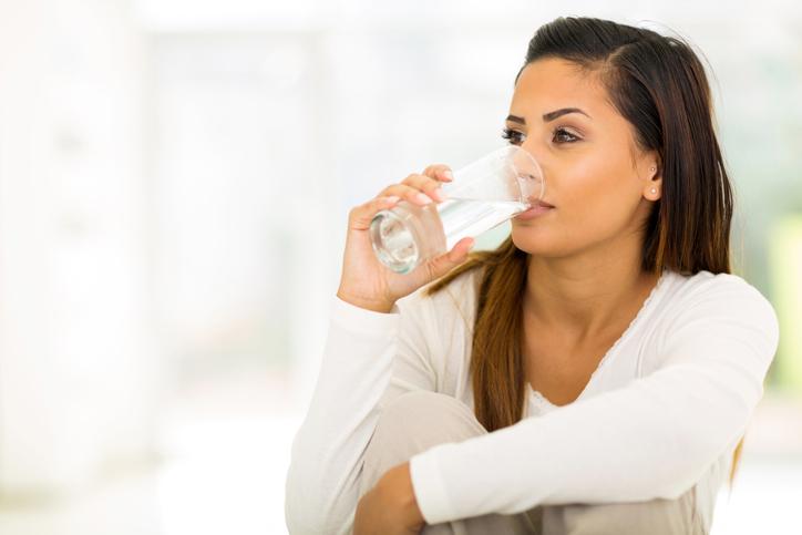 Dit gebeurt er met je lichaam als je te weinig water drinkt