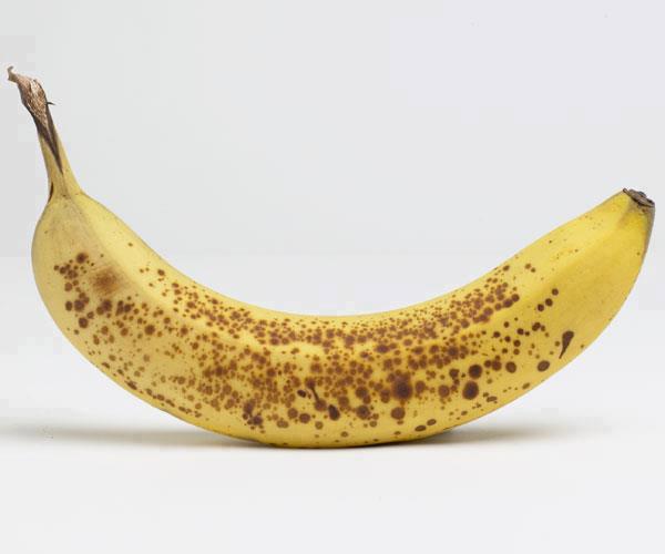 Dit gebeurt in je lichaam als je een hele rijpe banaan eet