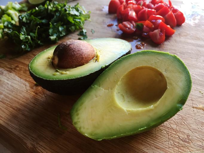 Dit kun je doen met avocadopitten