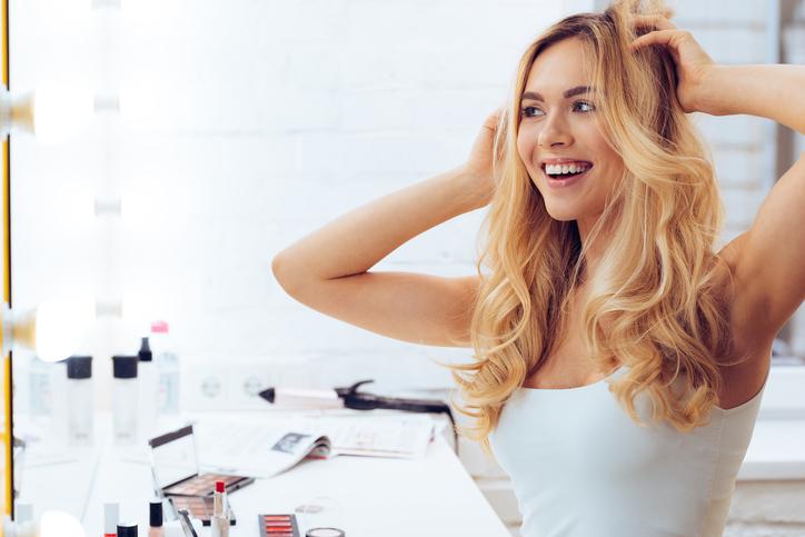 Dit zijn de beste tips om droog haar weer glanzend te krijgen