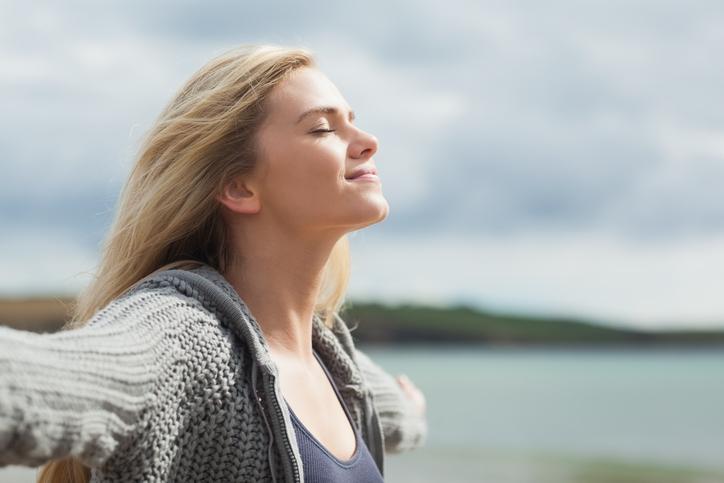 Eindelijk rust in je hoofd: Zo stop je ratelende gedachten