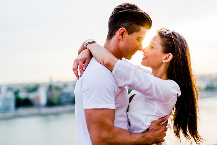 Elke dag knuffelen zorgt ervoor dat je echt gelukkiger wordt!