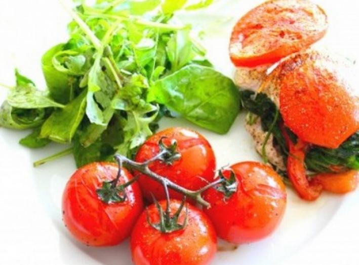 Filet de poulet aux épinards et tomates