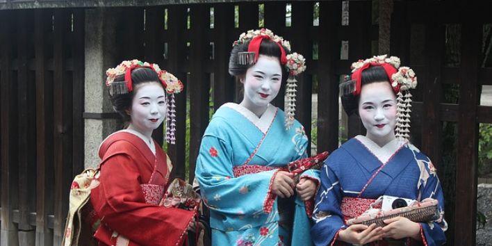 geisha women japan