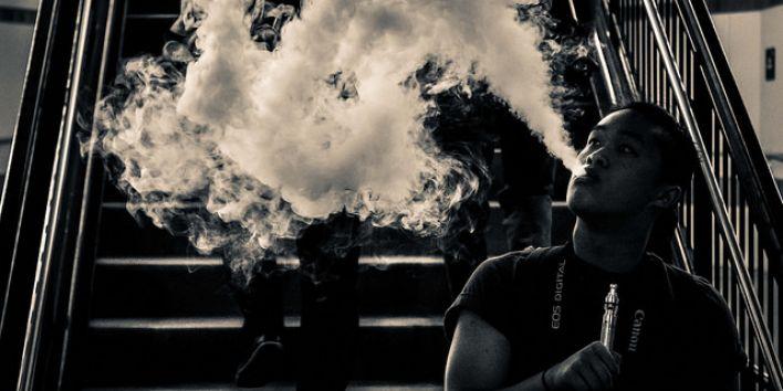 vaping smoke cigarette