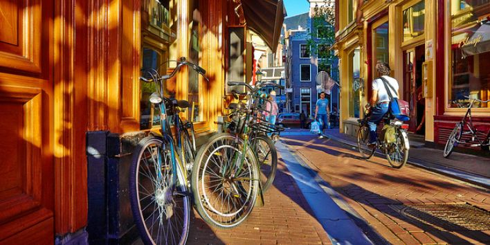 amsterdam bike street