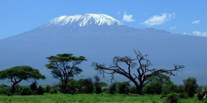 kilimanjaro-mountain snow africa