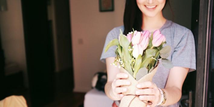 bouquet flowers happy tulips