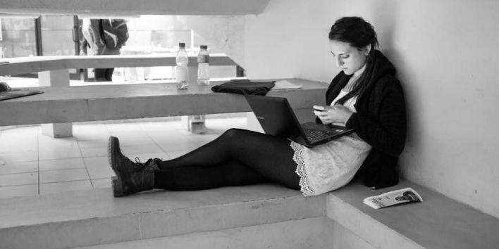 woman girl laptop phone text flickr Francisco Osorio