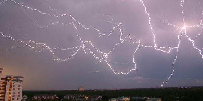 lightening sky thunder storm