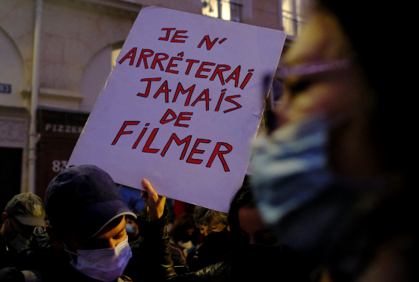 Veiligheidswet of persmuilkorf? Oppositie kan Franse wet tegen verspreiden beelden politie niet afblokken