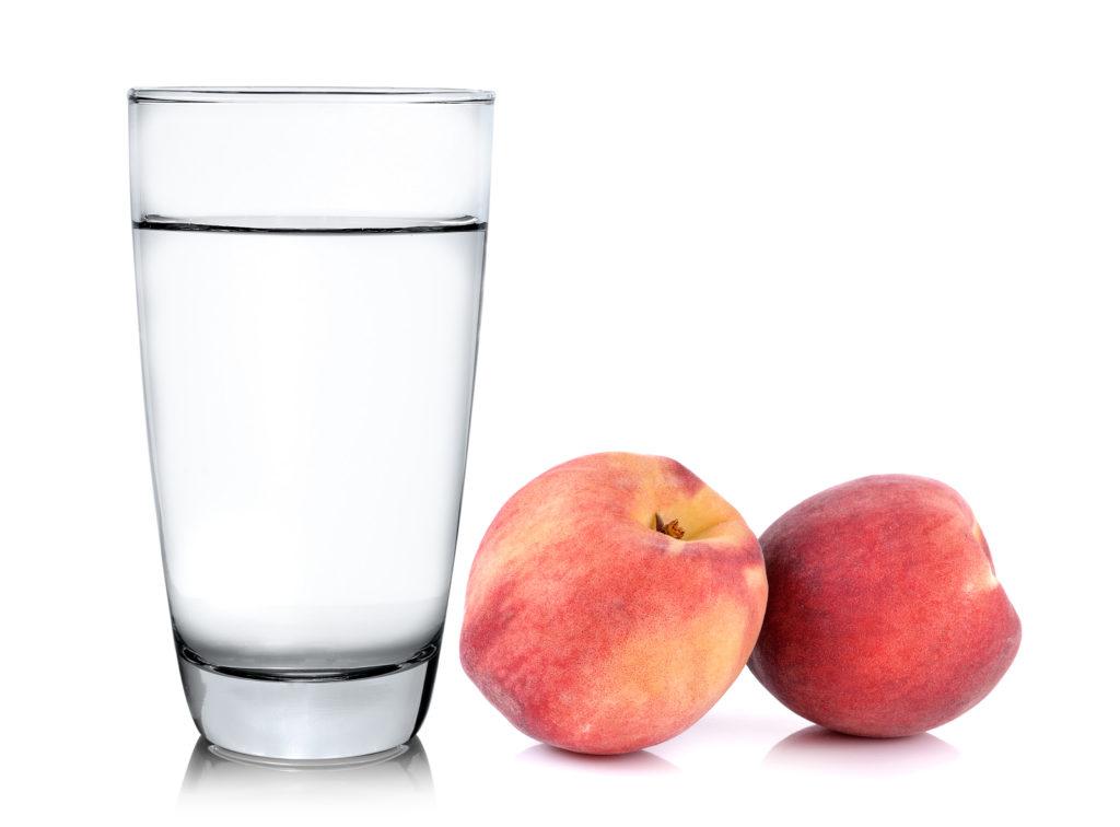 De gearomatiseerde waters 'Spa Touch Of' lanceren twee nieuwe smaken : appel en perzik
