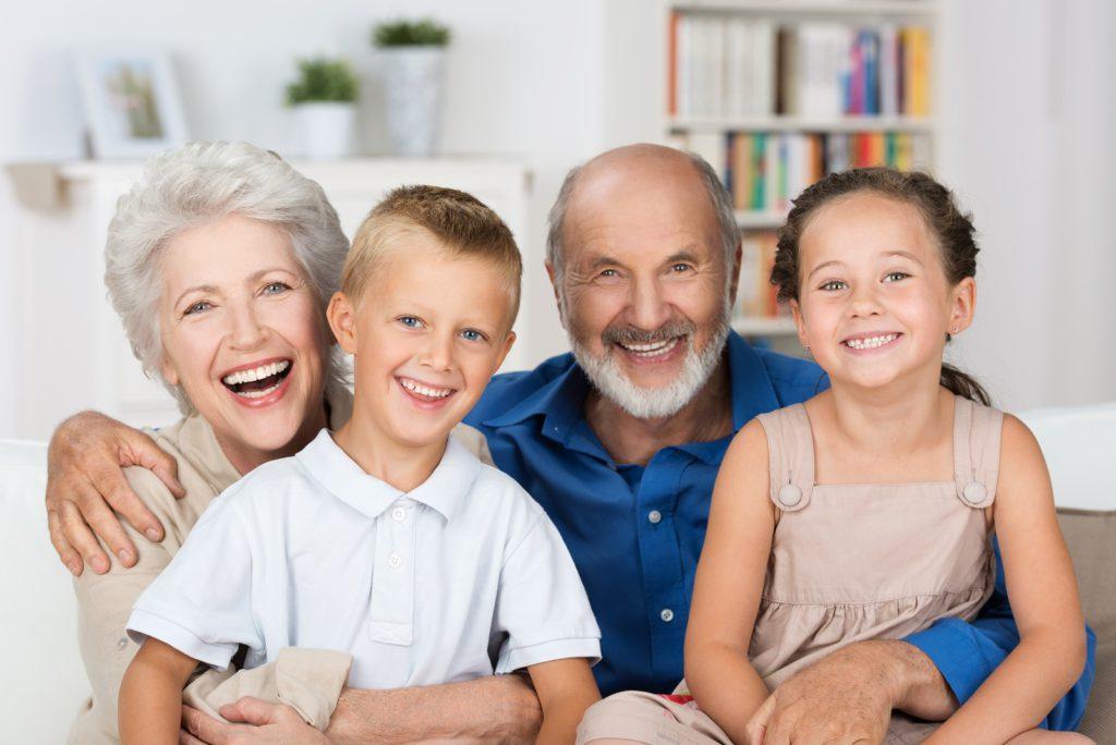 Grootouders die tijd doorbrengen met hun kleinkinderen zijn gezonder