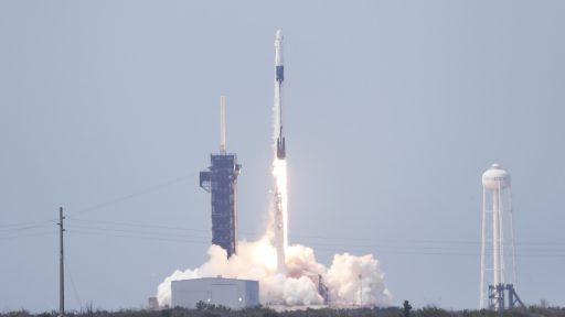 NASA en SpaceX brengen volgende maand officieel eerste astronauten naar ISS